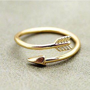 Gold open adjustable ring with arrow motif NWOT
